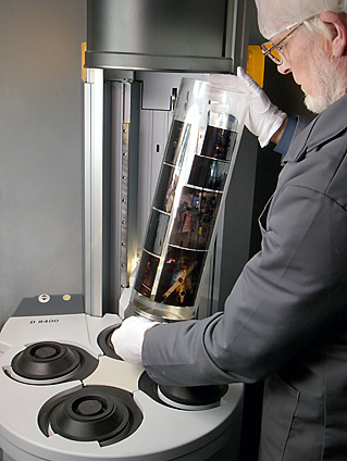 colour transparencies in Heidelberg Primescan for drum scanning